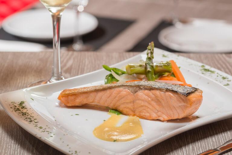 Salmon plancha marinado